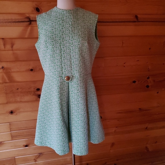 Vintage Dresses & Skirts - 1960s Unlabeled Green & White Circle Poly Shift Dr